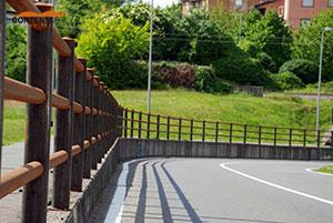 staccionata-cortensafe-acciaio-corten-Villasanta-Lombardia-marciapiede-sicurezza-pedoni-ciclisti