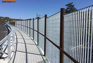 Cortensafe-recinzione-Pinerolo-e-corrimano-grid-acciaio-corten-cavalcavia-Trieste-Friuli-Venezia-Giulia